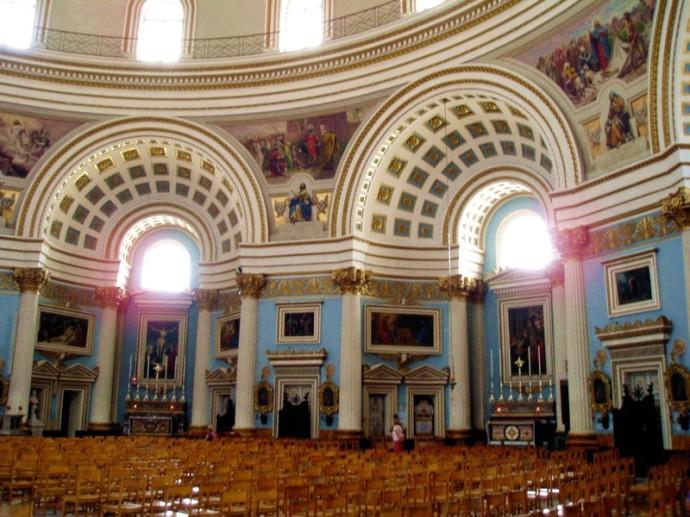 Kerk_mosta